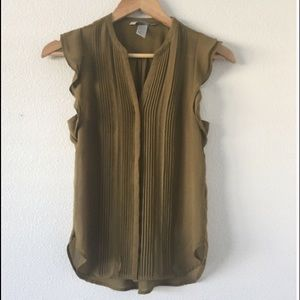 H & M Olive Green Short Sleeve Blouse Top